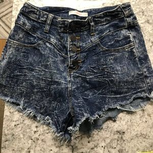 High waisted, button up, denim washed shorts
